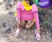 Jungle me aunty ne chudwaya ( outdoor ) from barish me aunty